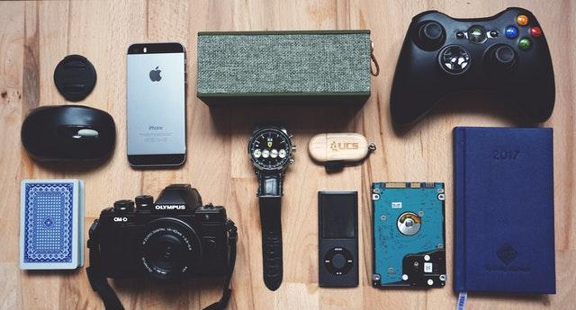 5 Best Gadgets For Your Tech-obsessed Friend